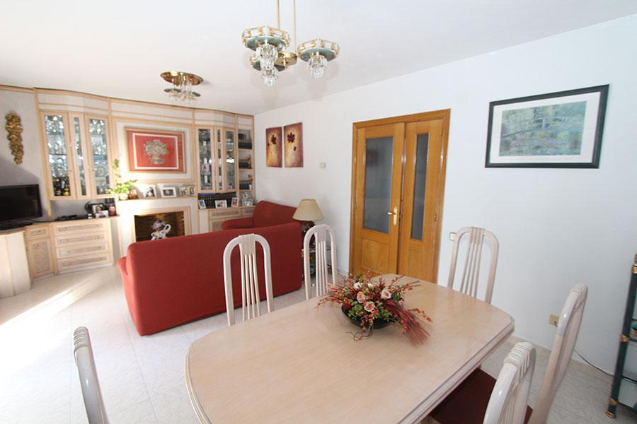 Chalet en venta en Torrejon de la Calzada – Calle Cadiz