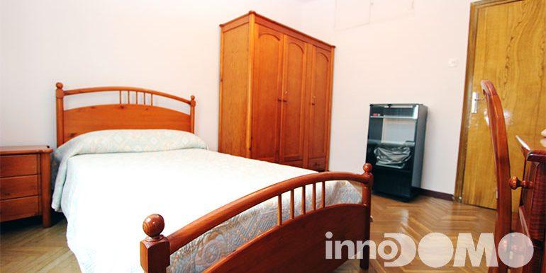 ID00116P_calle_alhambra_4_00_madrid_07